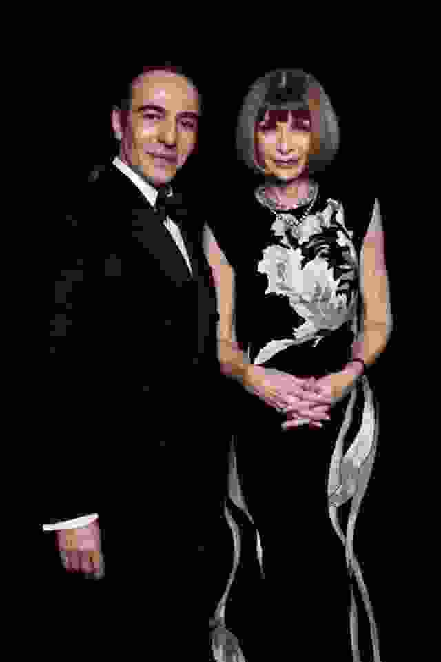 john_galliano_y_anna_wintour_la_pareja_estrella_de_los_british_fashion_awards_2014_0