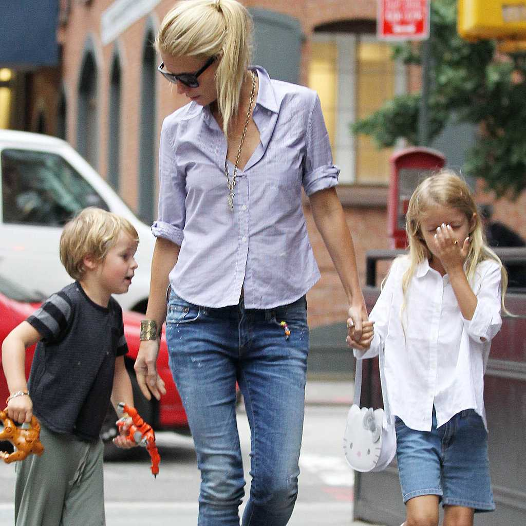 Gwyneth-Paltrow-Birthday-Pictures-Apple-Moses-Martin