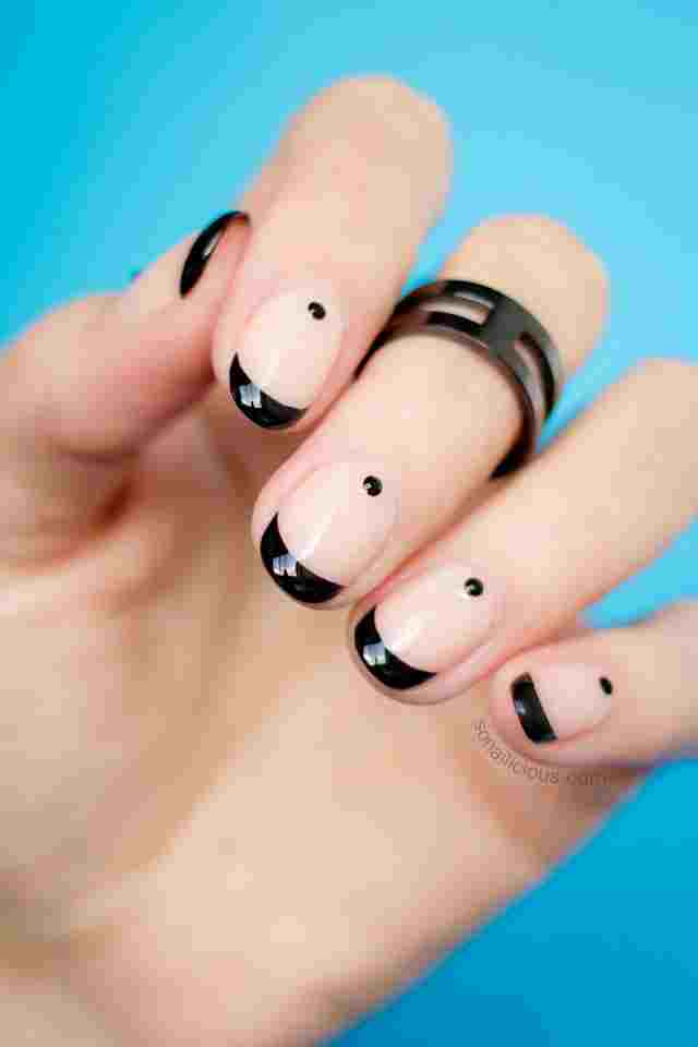 beautiful-nude-and-black-nail-art