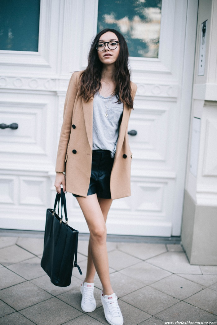 Zara-leather-shorts-fall-outfit-ideas-Mango-grey-tee-double-breasted-camel-blazer-Adidas-Stan-Smith-red