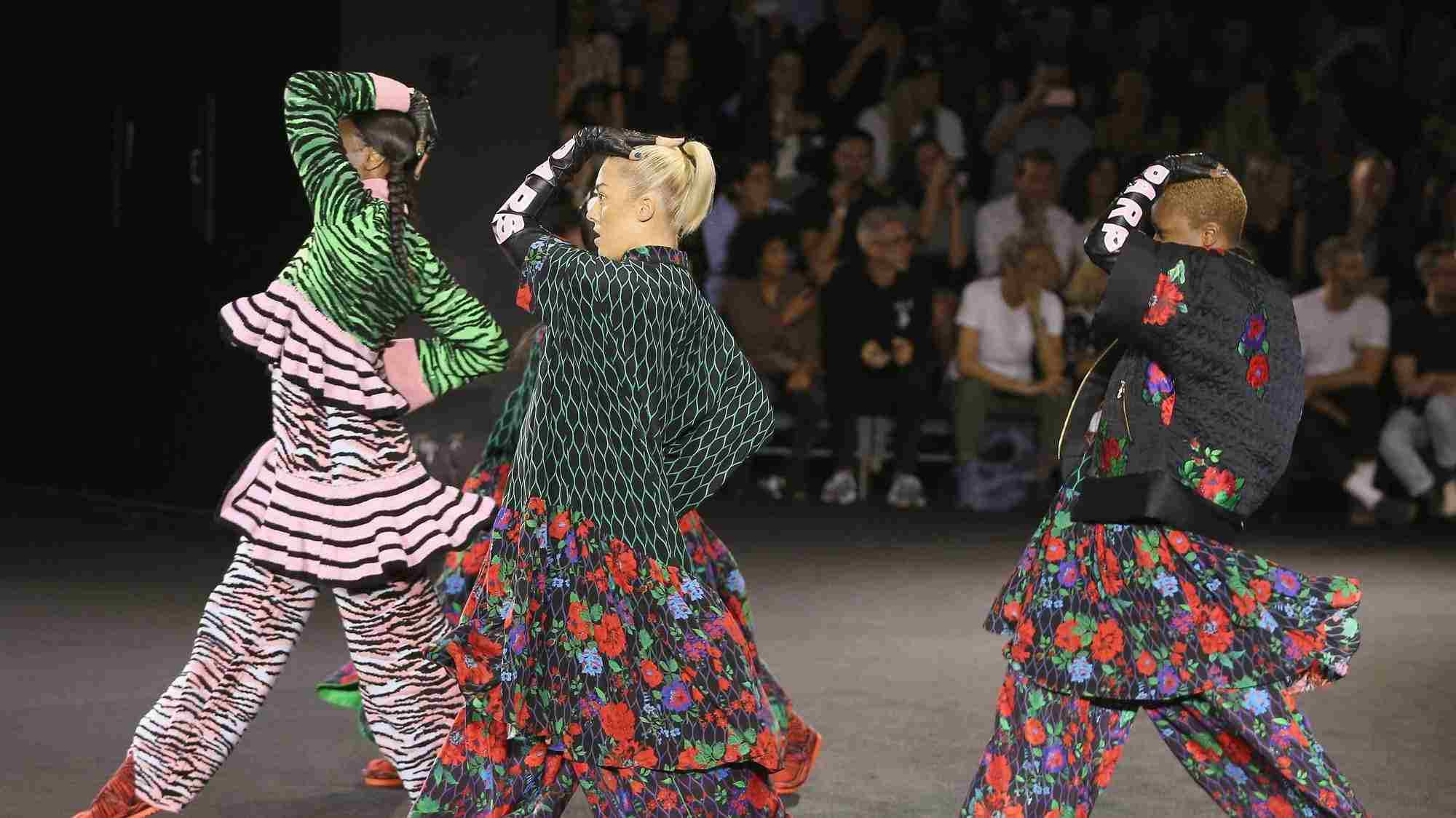 last-nights-kenzo-x-hm-show-was-a-visual-feast-1476960952