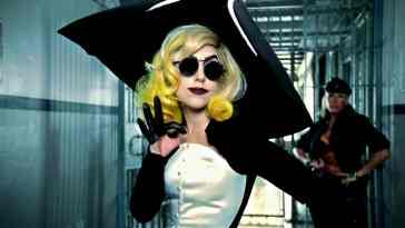 Lady-Gaga-Beyonce-Telephone-Music-Video-lady-gaga-10861721-1280-720