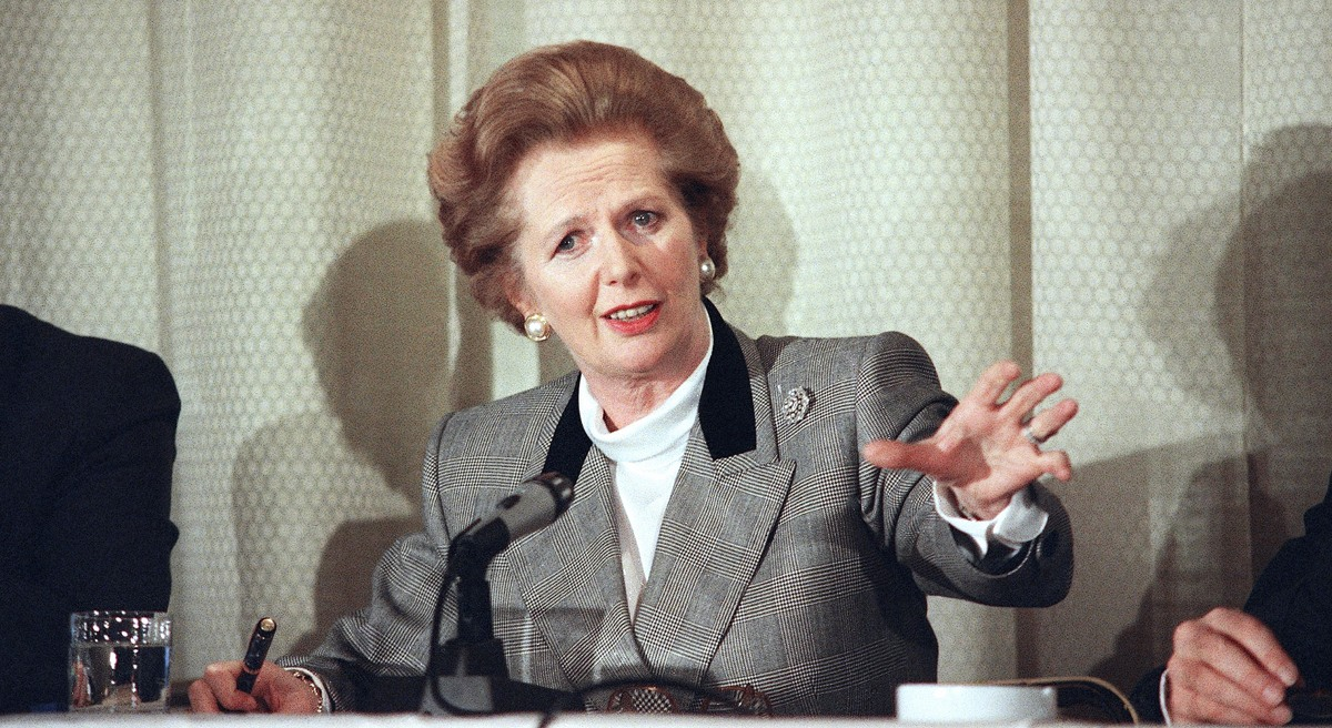 British Prime Minister Margaret Thatcher holds a news conference at a Washington hotel on Nov. 17, 1988, before departing the city. (AP Photo/Barry Thumma)